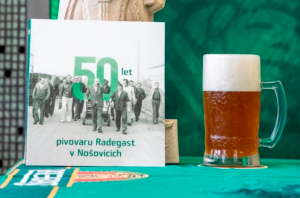 Vyšla kniha 50 let pivovaru Radegast