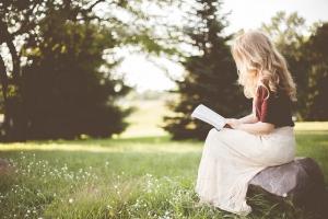 Poradíme vám, kam za autorským čtením a na autogramiádu